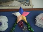 クリスマスツリーに飾られる星